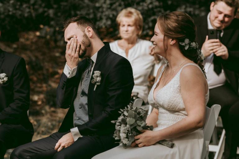 Hochzeitsfotograf | Bräutigam ist gerührt