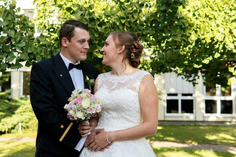 Hochzeitsfotograf | Brautpaar Portraits im Botanischen Garten