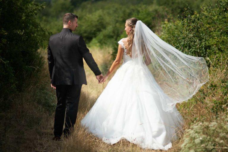 Hochzeitsfotograf | Brautpaar Portrait in den Weinbergen