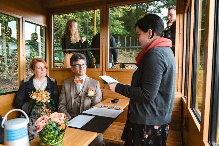 Hochzeitsfotograf - Standesamtliche Hochzeit in der Nerobergbahn